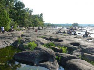 The large flat rocks of Belle Isle