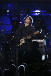 "John Mayer performs ""Gravity"""